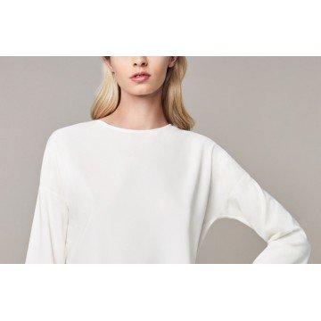 Блузы от Eterna - влиятельный вклад в гардероб